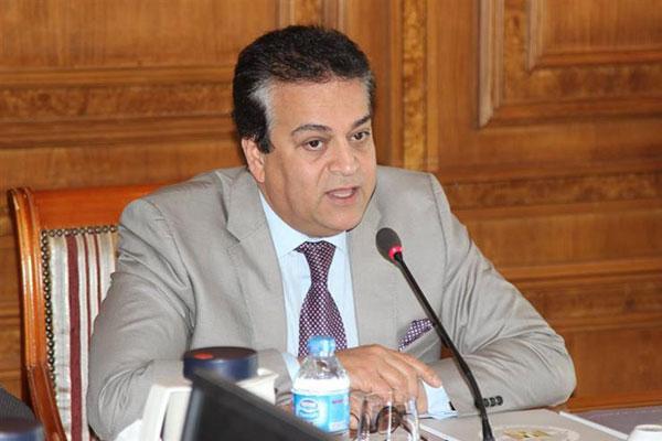 وزير التعليم العالي يتخذ الإجراءات بشأن الطلاب المصريين بالصين