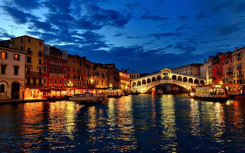 فينيسيا مدينة الرومانسية الإيطالية
