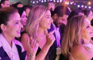دينا الشربيني ويسرا يغنون مع عمرو دياب في حفلة أعمار مصر