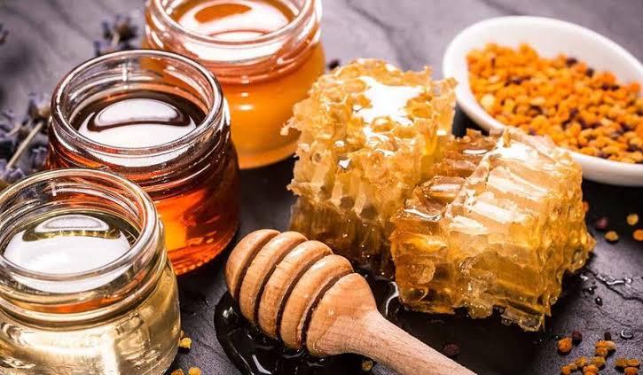 فوائد شمع العسل مع زيت الزيتون للبشرة