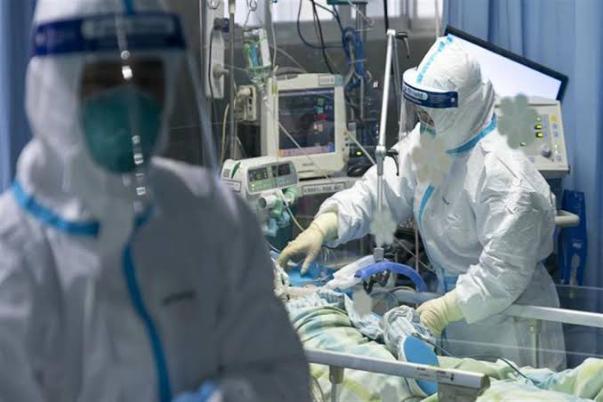 فرنسا تسجل أكثر من 27 ألف إصابة جديدة بكورونا