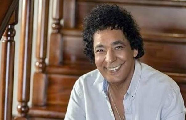 الكينج محمد منير يشوق جمهوره بطرح أول أغنية لألبومه باب الجمال كمان ساعة