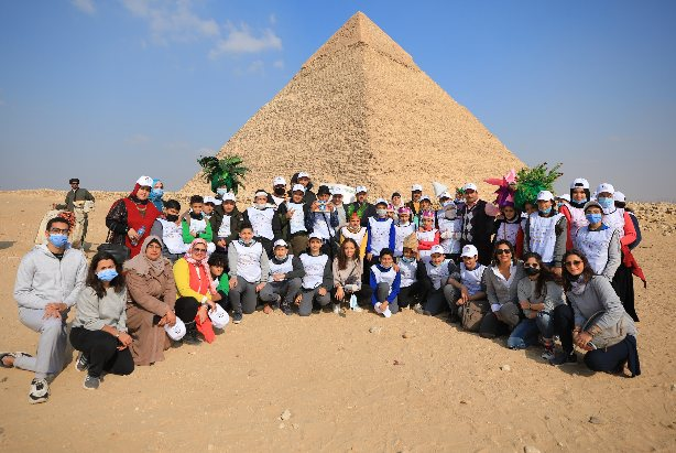 أرت دي إيجيبت تنظم زيارة لأطفال المدارس الحكومية لمنطقة الأهرامات بهدف رفع الوعي بالتراث الثقافي المصري
