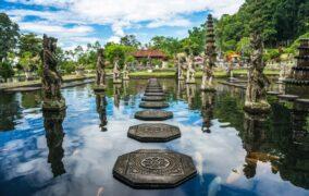 السياحة في إندونيسيا .. طبيعة خلابة وشواطئ ساحرة
