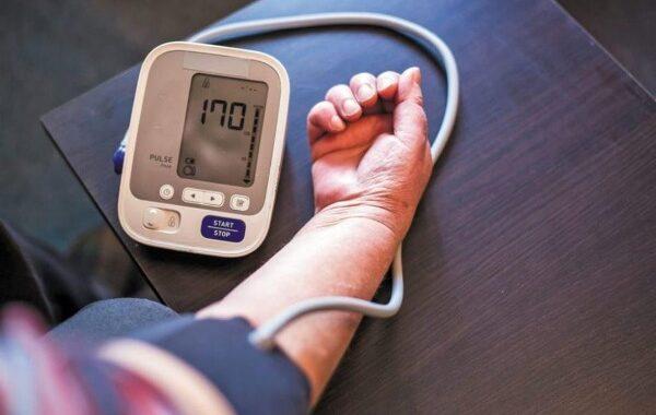 علاقة انخفاض ضغط الدم بالصداع