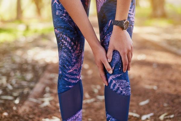ألم الركبة بعد ممارسة الجري .. طرق علاجه