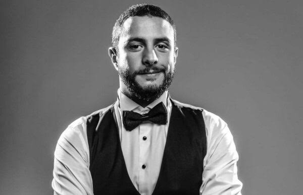 الفنان أحمد الفيشاوى يشوق جمهوره قبل طرح أغنيته الجديدة نمبر 2