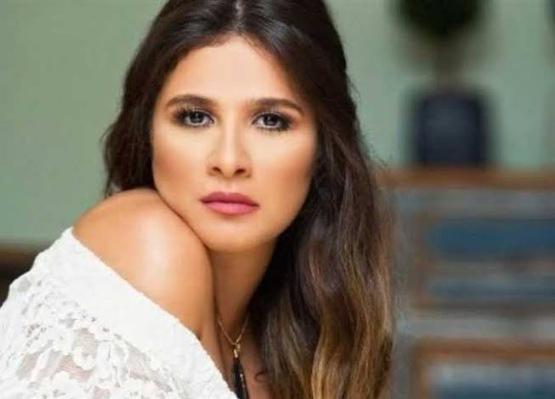 الفنانة ياسمين عبد العزيز تكشف عن اسم شخصيتها فى مسلسل الجديد اللى ملوش كبير