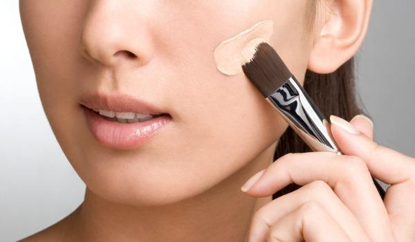 نصائح تطبيق كريم الأساس من خبراء التجميل