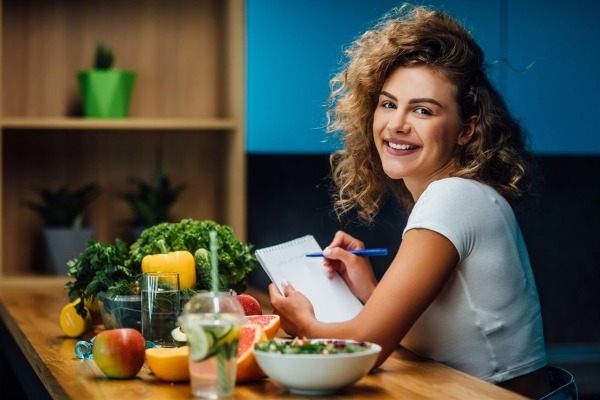 أطعمة مفيدة للنساء .. يوصي الأطباء بتناولها