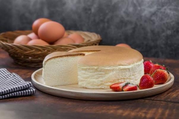 طريقة عمل الكيكة اليابانية القطنية بمكونات منزلية بسيطة وسهلة