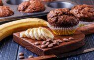 مافن الموز بالشوفان والشوكولاتة بطريقة سهلة