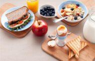 أطعمة ممنوعة على الإفطار .. خبراء تغذية يحذرون منها
