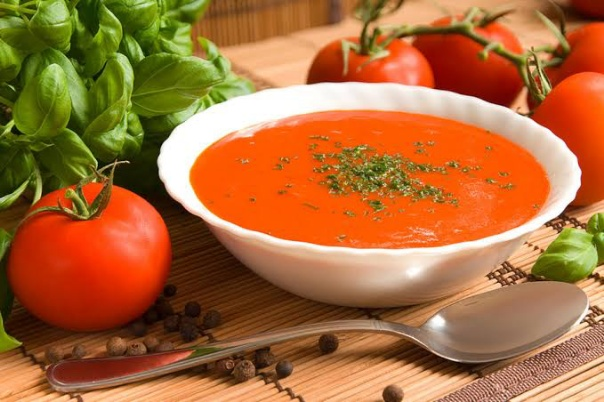 طريقة عمل شوربة الطماطم المشوية والشهية بخطوات بسيطة