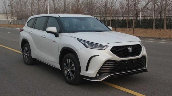 شركة تويوتا تطرح نسخة SUV من كراون لأول مرة