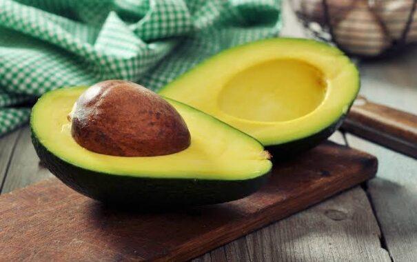أهم الفوائد الصحية في تناول الأفوكادو علي الجسم ...تفاصيل