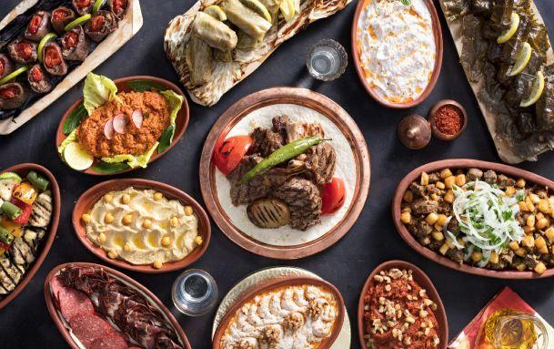 استمتع بتجربة رمضانية فريدة في الخان بفندق هيلتون القاهرة هليوبليس