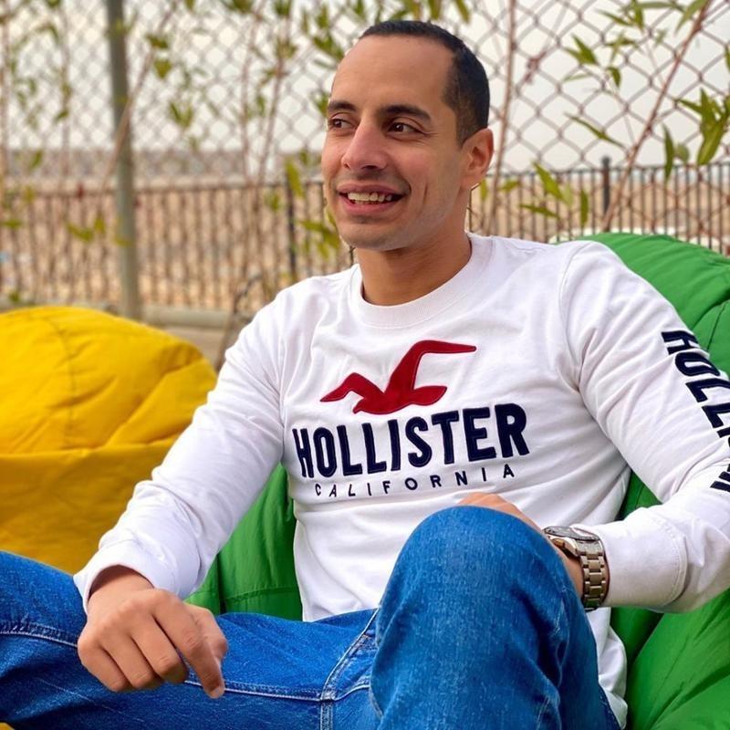 عمرو وهبة يرزق بمولودة واسمها المؤقت New Folder