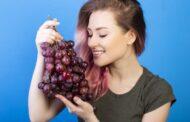 ماسك العنب الأسود للوجه لبشرة أكثر شباباً