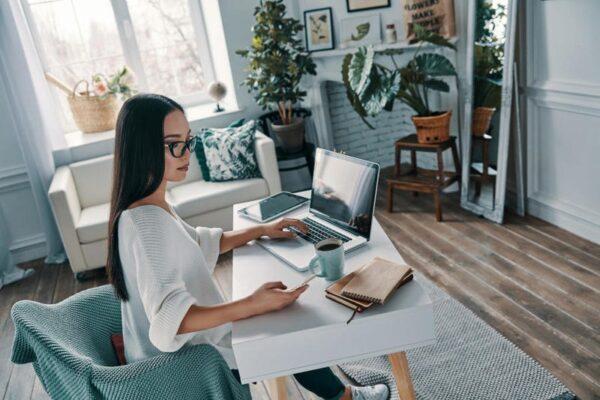8 نصائح لتحقيق الإنتاجية في العمل من المنزل