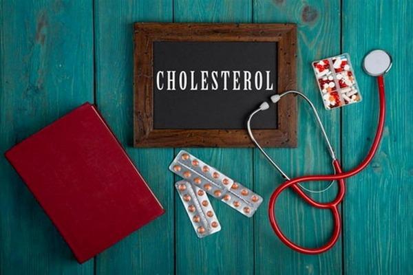 ارتفاع مستوى الكوليسترول في الدم .. علامة في الوجه تكشف عنه