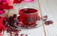 الكركديه مشروب رمضاني مثالي: اكتشفي فوائده ومضاره