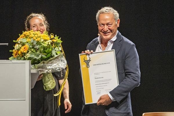 مجلس كانتون أوري بسويسرا يمنح رجل الأعمال سميح ساويرس الجنسية السويسرية الفخرية