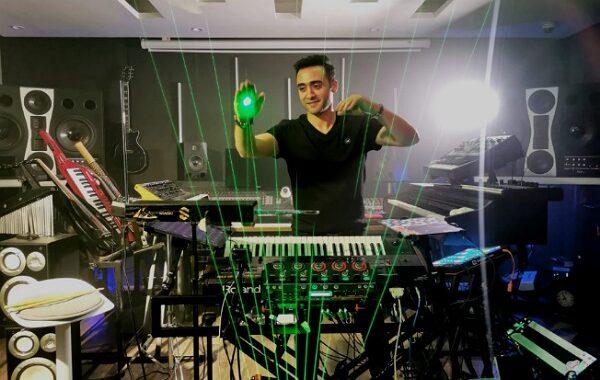 أول مصري يعزف على الهوا وعلى الضوء، الموسيقار العبقري شاشو أوركسترا سيمفوني