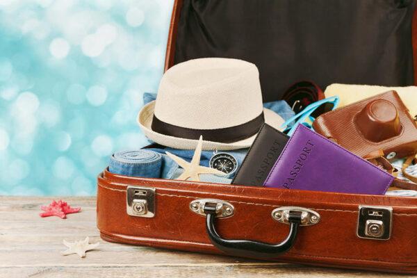 أفضل طرق ترتيب الملابس في شنطة السفر