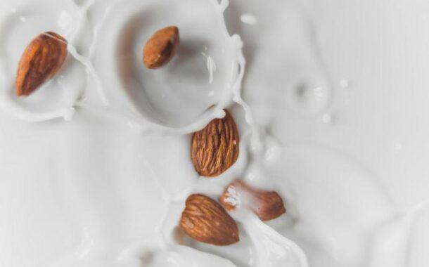 فوائد حليب اللوز للنساء تعدك بمفاعيل صحية