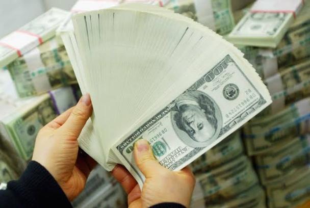 استقرار الدولار أمام الجنيه في ختام تعاملات اليوم الاثنين 5 يوليو 2021