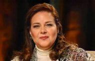 وصول جثمان دلال عبد العزيز برفقة ابنتيها دنيا وإيمي لمسجد المشير طنطاوى