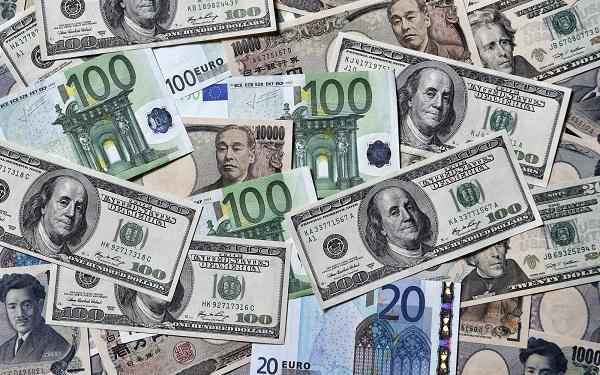 أسعار الدولار والعملات مقابل الجنيه اليوم السبت