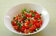 سلطة الطماطم بالأعشاب .. تعرفي عليها