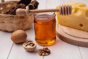 فوائد الجوز والعسل بالغة الأهمية للصحة