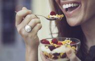 أطعمة تزيد الشعور بالسعادة غنية بحمض التربتوفان