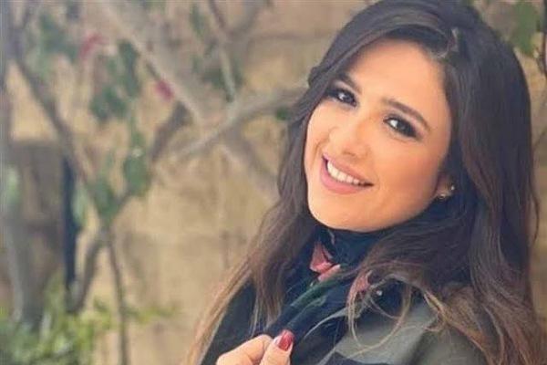 الفنانة ياسمين عبد العزيز فى أحدث ظهور بعد تعافيها....الحمد لله الذي شفانا