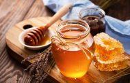 وصفات طبيعية من العسل للعناية بالبشرة ....تعرف عليها