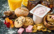 أطعمة تضر صحة الدماغ .. منها السكريات
