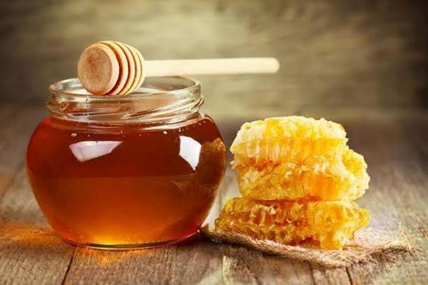 مخاطر تناول العسل بكثرة ....تعرف عليها